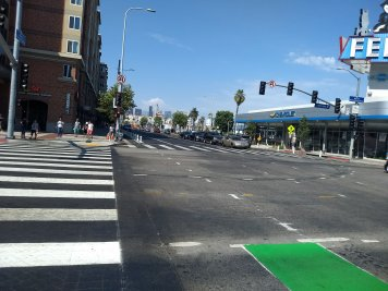 Protected Bike lane on fig looking to Dntn IMG_20180731_155010310